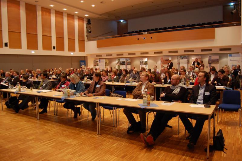150 Teilnehmer in der Stadthalle
