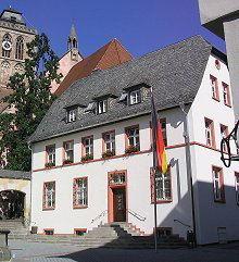 Rathaus II Am Treppchen