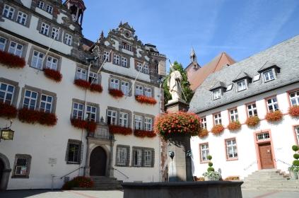 Das alte Rathaus im Stil der Weserrenaissance beherbergt noch heute das Büro des Bürgermeister.
