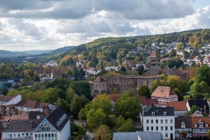Blick vom Stadtkirchturm in Richtung des Stiftsbezirks